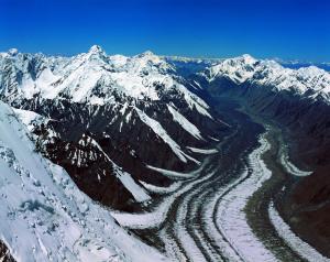 ледник Эныльчек - район озера Мерцбахера