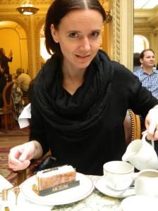 марианна в кафе