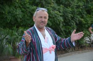 Мастер-кукольник, руководитель народного театра Джайхун в Хорезмской области Мансур Курязов